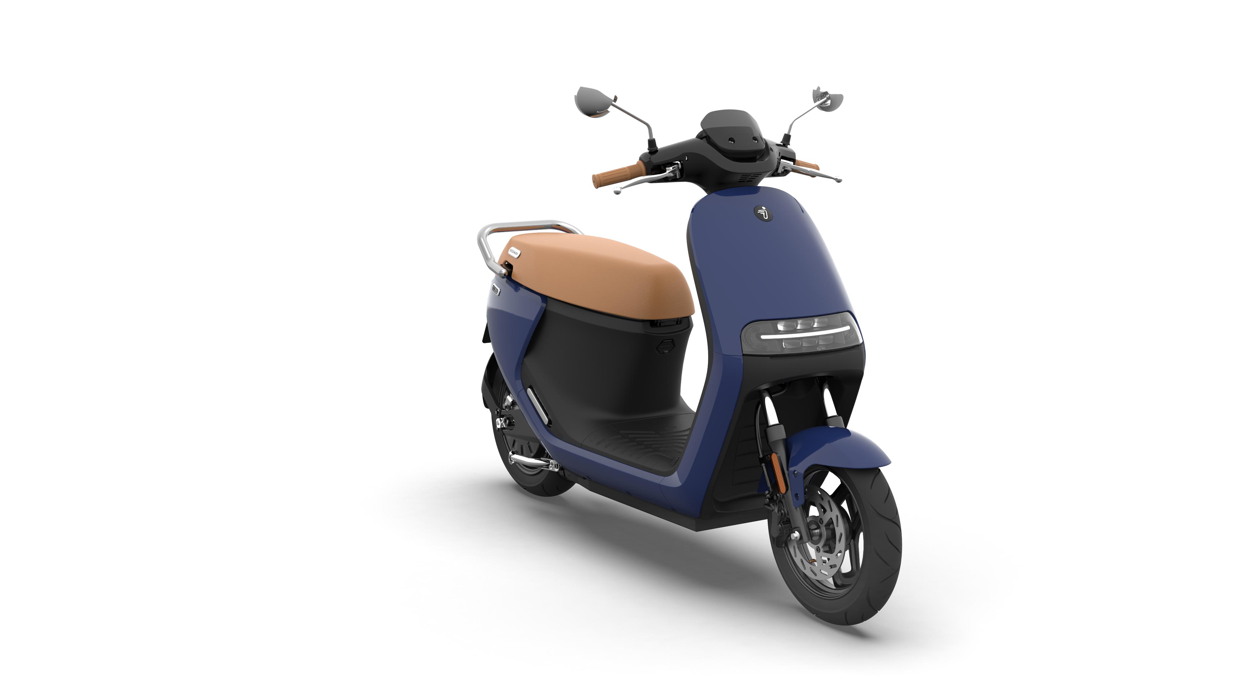 eScooter-E125S_Atlantic-Blue-Glossy_360-13.png